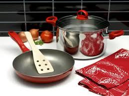 cuisine ustensile ustensiles de cuisine quels matériaux privilégier pour sa santé
