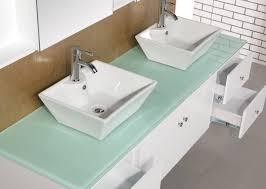 kommode für badezimmer kommode und ein badezimmer eitelkeit und badezimmerschrank braun