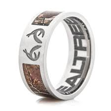 realtree wedding bands titanium realtree camo ring with antlers titanium buzz