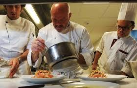 emploi chef de cuisine bordeaux philippe etchebest chef en cuisine et à l écran il suffit de