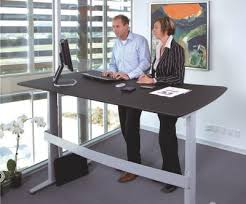 bureaux de travail la mode des bureaux assis debout