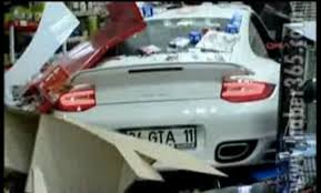 porsche 918 crash porsche crash car and porsche 911 turbo drives into a gas