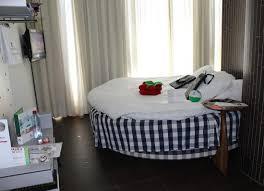 design hotel maastricht goed liggend rond bed picture of hshire designhotel