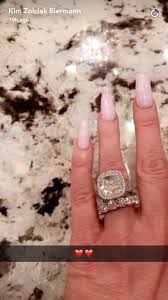 zolciak wedding ring zolciak gets 11 carat band from kroy biermann