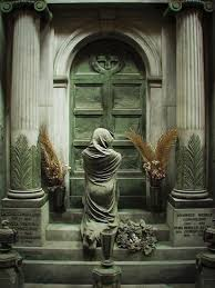 cemetery statues scary cemetery statues gallery ebaum s world