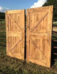 Barn Door Gate by Must See Prodigious Pallet Barn Door Set U2022 1001 Pallets