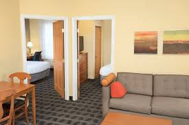 2 bedroom hotel suites in chicago extended stay hotels in lombard illinois towneplace suites