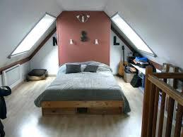 chambre sous comble chambre sous comble chambre sous combles couleurs prissy design