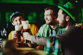 why we wear green on st patrick u0027s day reader u0027s digest