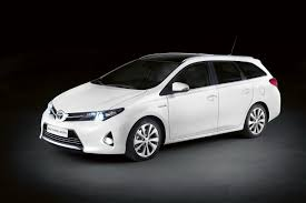 toyota dealer japan toyota auris hybrid bricklane joins 2016 prius in japan