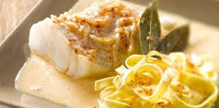 cuisiner du cabillaud cabillaud en sauce facile recette sur cuisine actuelle