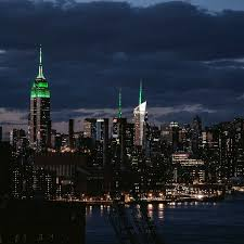 empire state building lights tonight the new york skyline looks stunning tonight with the empire state