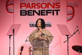 parsons school of design rihanna gives inspiring speech at parsons school of design benefit