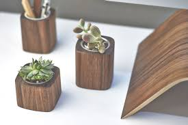 Desk Accessories by 9 Cool Desk Accessories For Men Hey Gents