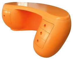 Plastic Office Desk Boomerang Desk An Office Made Of Plastic Freshome