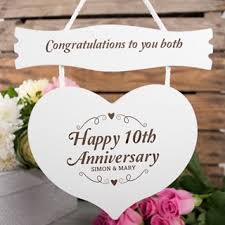 10th wedding anniversary wedding anniversary gifts ideas gettingpersonal co uk