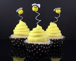 cakejournal com post how to make bee cupcake toppers