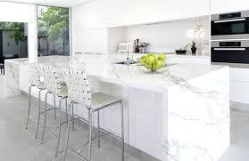 cuisine en marbre marbre blanc cuisine arlot de cuisine en marbre blanc avec une