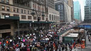 picture of inauguration crowd trump protests in nyc women u0027s march draws thousands of