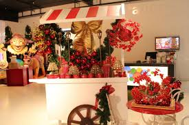 Christmas Decorations Come Down Christmas Is Here Christmas Vm Visual Merchandising Plus