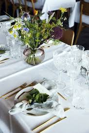 wedding flowers for tables 10 simple floral wedding centerpieces brides