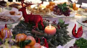 Christmas Table Decoration Red by Christmas Dinner Christmas Table Decoration Red Deer A Burning