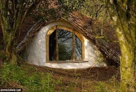 real hobbit house he built a real hobbit house with only 5 000 the inside is amazing