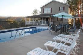 4 bedroom cabins in gatlinburg gatlinburg amd pigeon forge cabin rentals with private heated pools