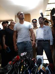 sonu nigam shaves off his head insists that he u0027s not anti muslim