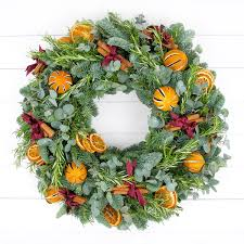 how to make a traditional christmas wreath christmas decorations