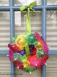 tiki decorations home diy hawaiian luau wreath diy family pinterest hawaiian luau
