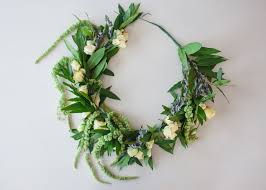 diy floral wreath for your green wedding shoes weddings