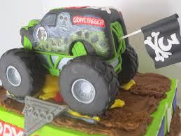 grave digger monster truck halloween costume gravedigger monster truck cake byrdie custom cakes