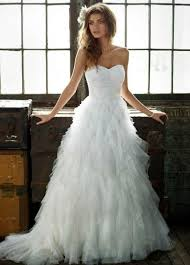 pre owned wedding dresses budget conscious gorgeous used wedding dresses available