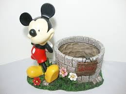 Wishing Well Garden Decor 28 Disney Garden Decor Uk Mickey Mouse Wishing Well Planter
