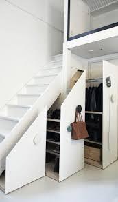 schrank unter treppe schrank unter die treppe stellen eine tolle idee archzine net