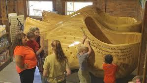 Big Rocking Chair In Texas A Small Town Dreams Big Cbs News