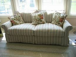Cottage Chic Slipcovers by Make Your Living Room Stylish With A Shabby Chic Couch Chic
