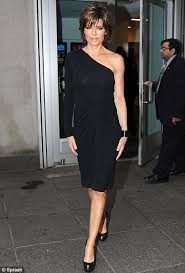 how to get lisa rinna s haircut step by step she s an animal lisa rinna steps out in sultry leopard print
