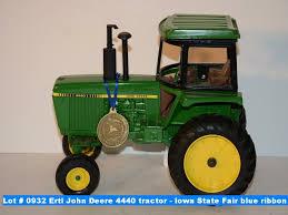deere ribbon ertl deere 4440 tractor iowa state fair blue ribbon