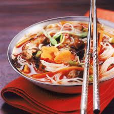 la cuisine japonaise cuisine japonaise des nouilles japonaises sautées ou en bouillon