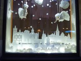 Store Window Decorations For Christmas by 126 Best Christmas Window Display Ideas For Mom And Dad U0027s Shops