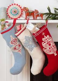 Christmas Tree Decorated With Stockings by Best 25 Vintage Christmas Stockings Ideas On Pinterest Vintage