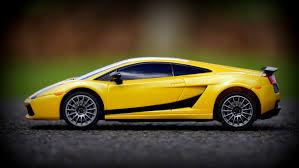 voiture de sport lamborghini images gratuites route roue maquette véhicule jaune la