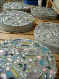 How To Make A Decorative - how to make a decorative stepping stone path for your garden