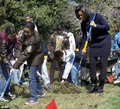so that u0027s how she tones those arms michelle obama starts digging
