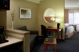 dorval chambre en ville hôtel marriott fairfield inn suites montréal aéroport hôtels