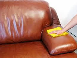 comment entretenir le cuir d un canapé comment entretenir un canapé en cuir la mag visiondeco