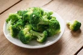 cuisiner les brocolis recette brocolis sautés à l ail en vidéo