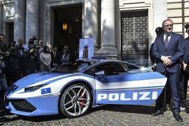 car lamborghini 2017 italian cops to chase criminals in their new superfast lambo